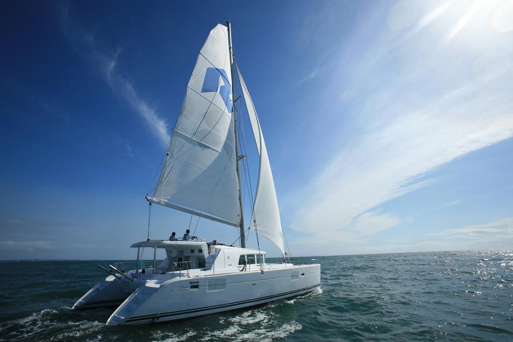 リビエラの自社艇、カタマランヨット