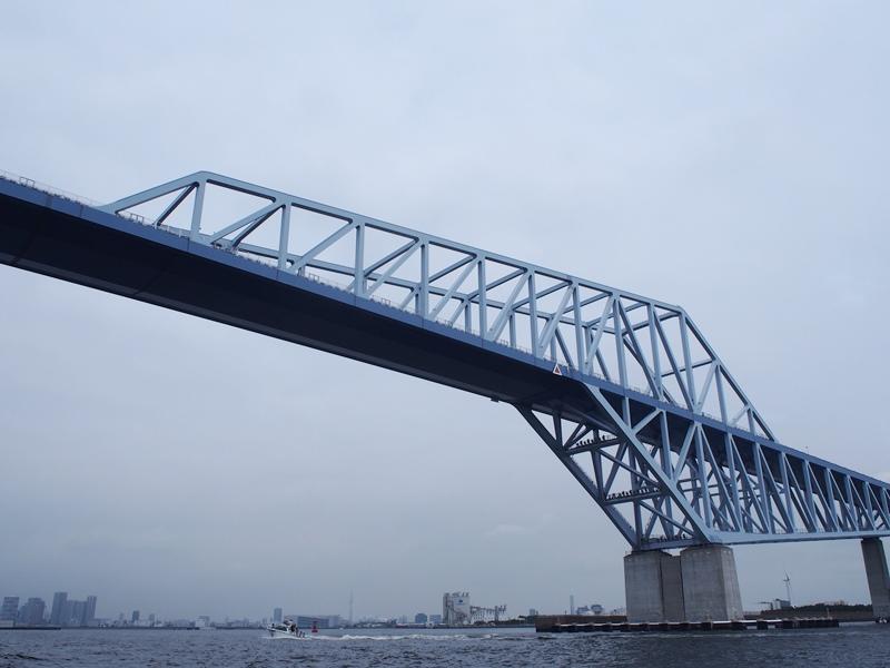 11.曇り空で重たい印象のゲートブリッジ