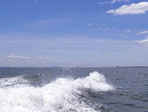 8.風の塔と離陸した飛行機