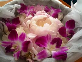 1.委託散骨の花かご