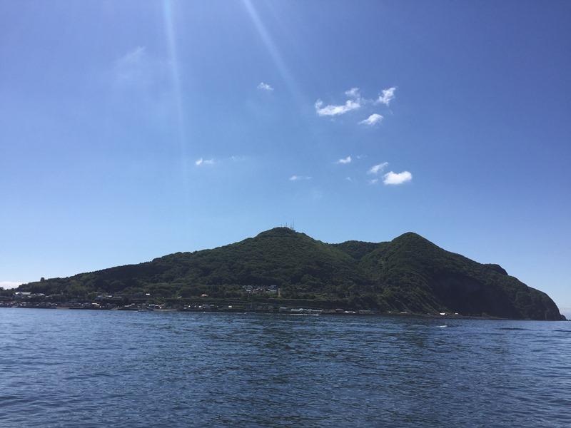 4.夜景で有名な函館山に降り注ぐ陽射