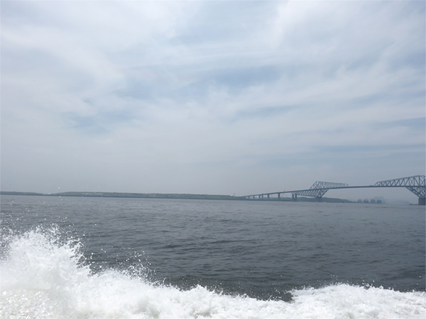 1.東京湾へ出港