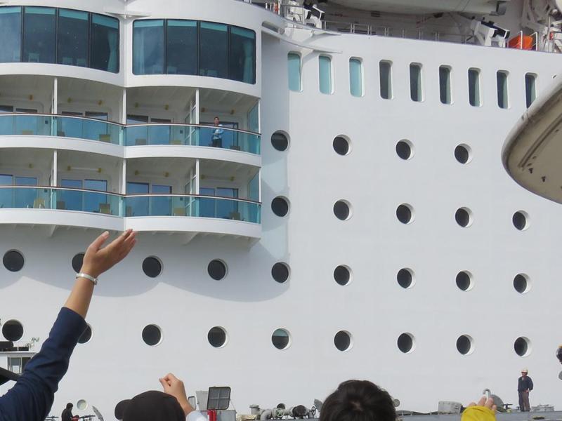 10.大型客船
