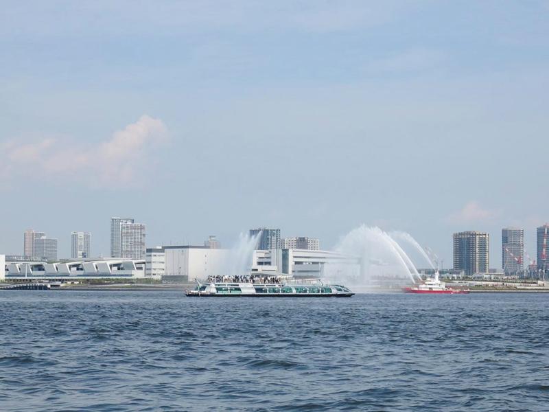 2.賑わう東京湾