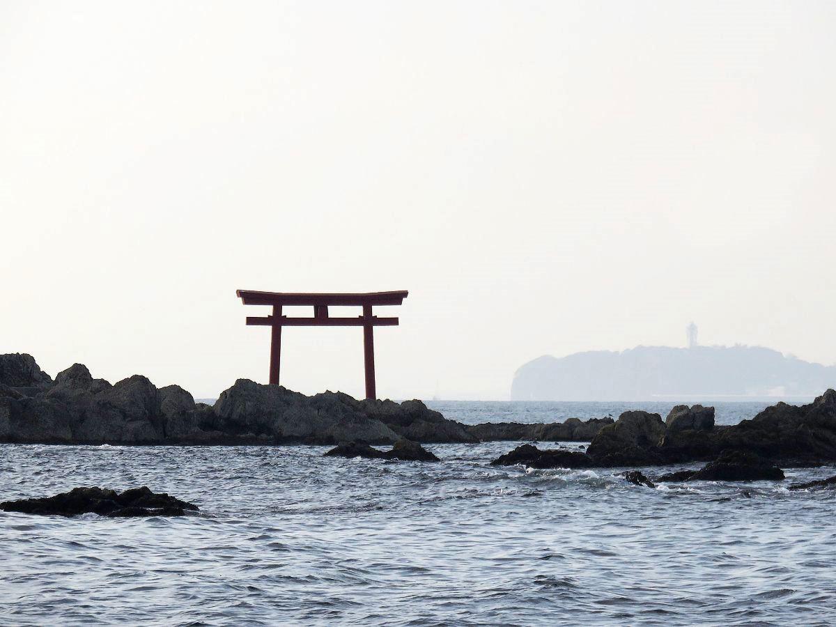 8.名島(菜島)の鳥居と江の島