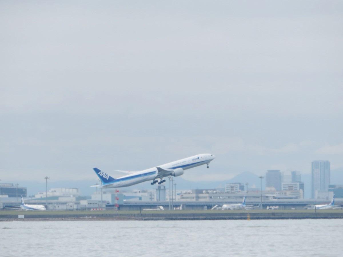 3.羽田空港を横目に