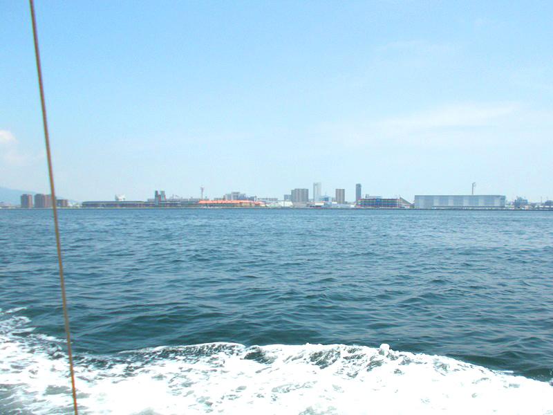 2.神戸から出航