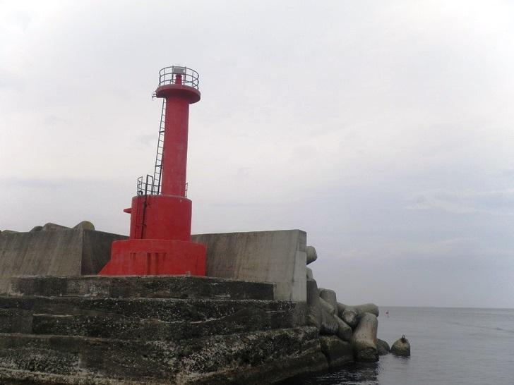 8.真鶴港灯台が迎えてくれます