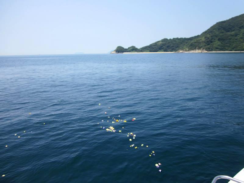 6.瀬戸内の海に花道が広がります