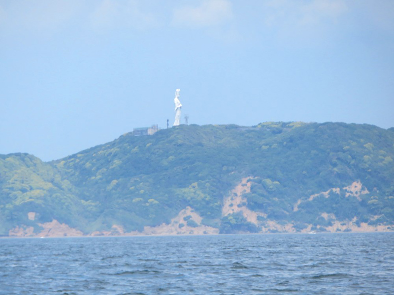 8.そして東京湾観音
