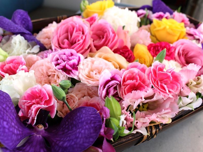 1.かごいっぱいの花たち