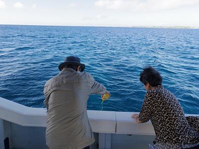 5.宮古島の泡盛、さんぴん茶などで献酒。
