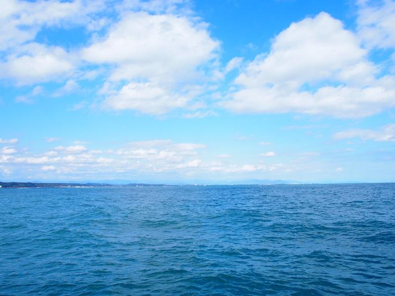 15.青空が見える富士の空