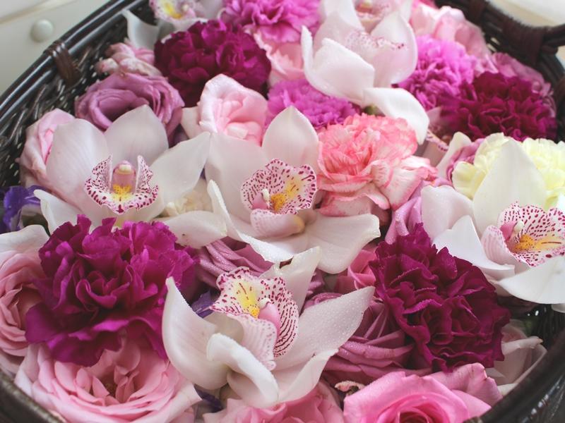 1.紫と白のシックな花かご