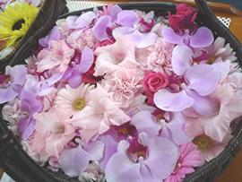 2.紫の花かご