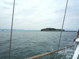 5.江ノ島をあとに沖へ進みます