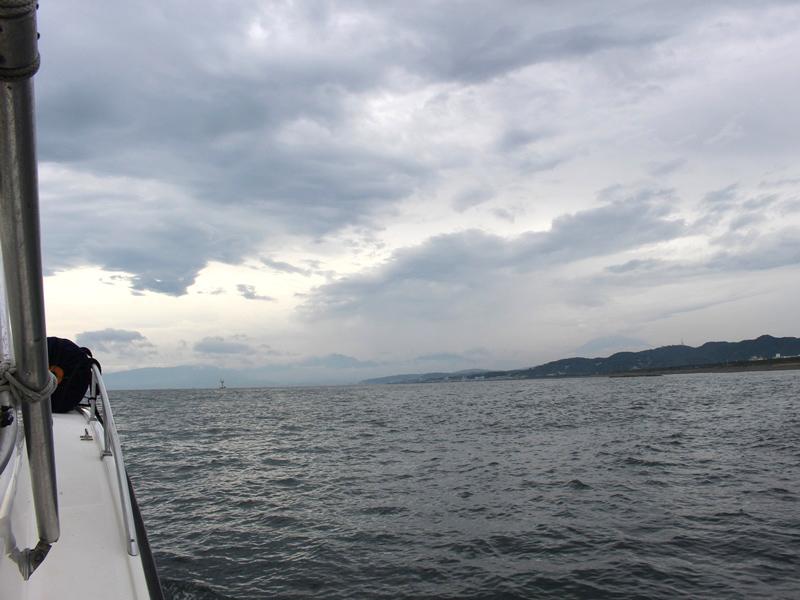 2.曇り空の相模湾へ