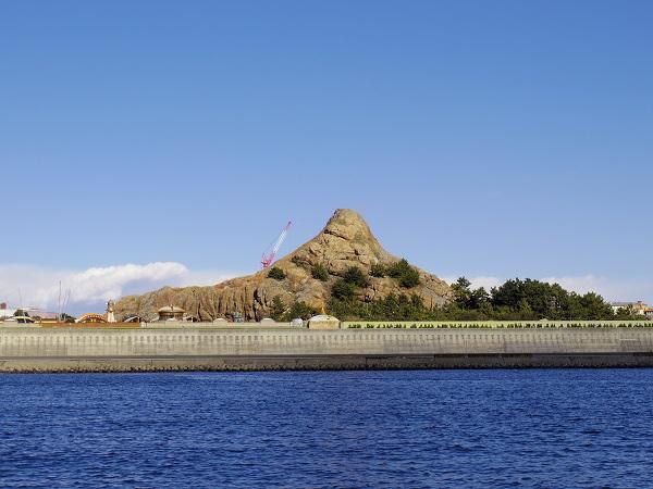 7.同じくプロメテウス火山近辺を航行