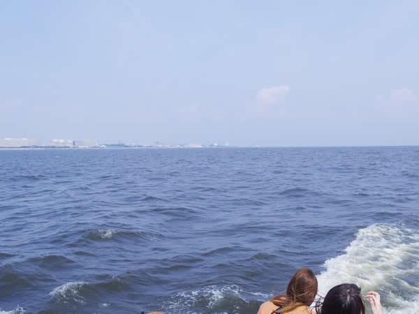 6.東京ディズニーシー沖を後にします