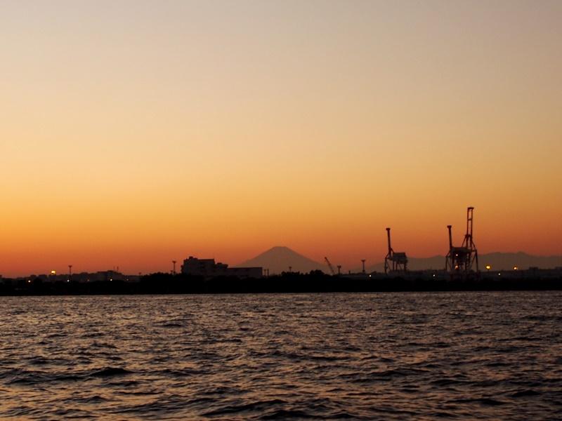 15.西に富士山