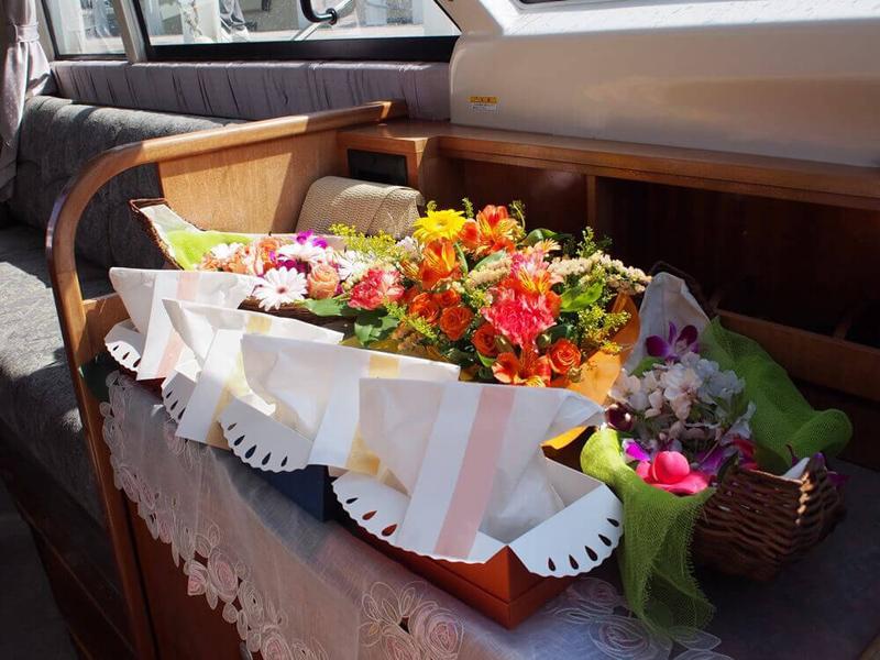 3.色鮮やかな花祭壇